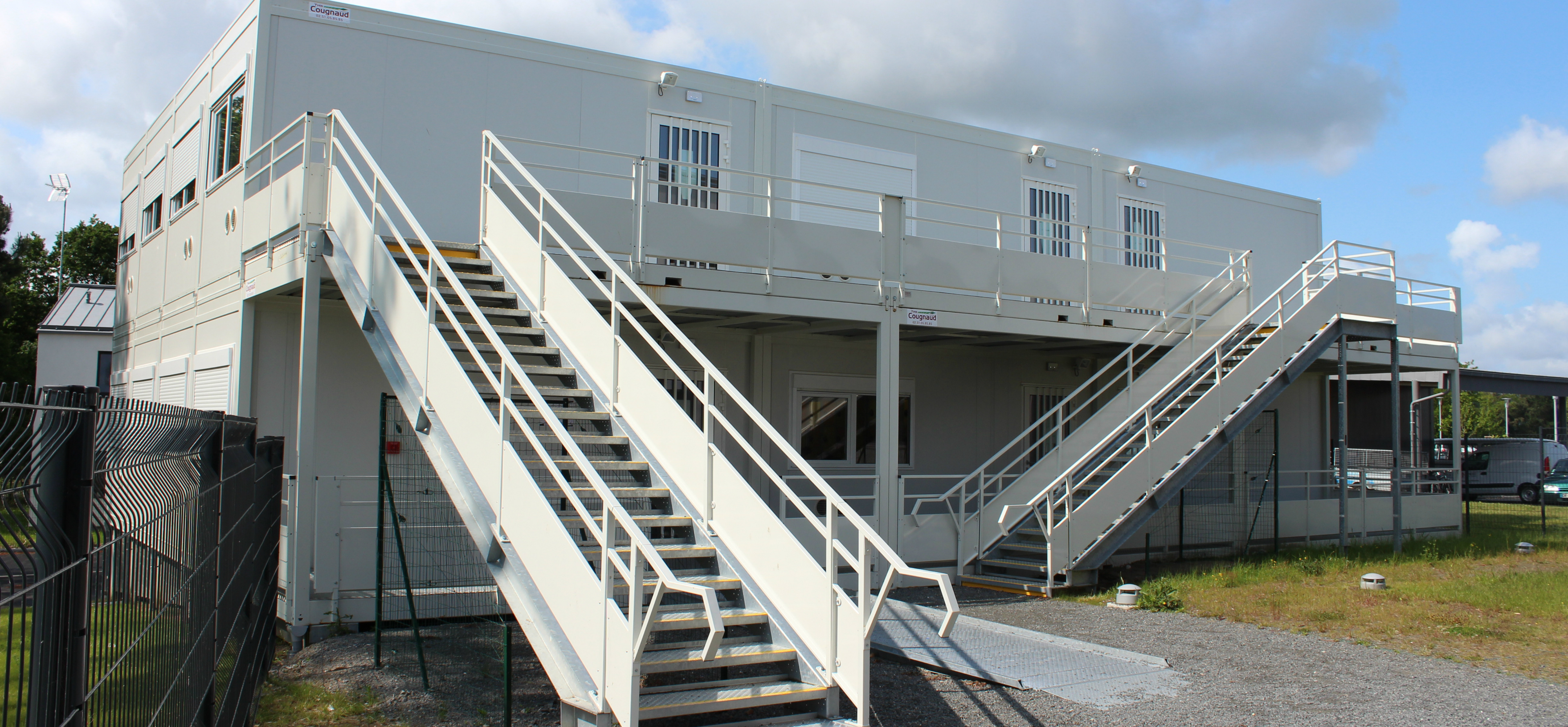 bureaux modulaires occasion bureaux modulaires cougnaud services. Black Bedroom Furniture Sets. Home Design Ideas