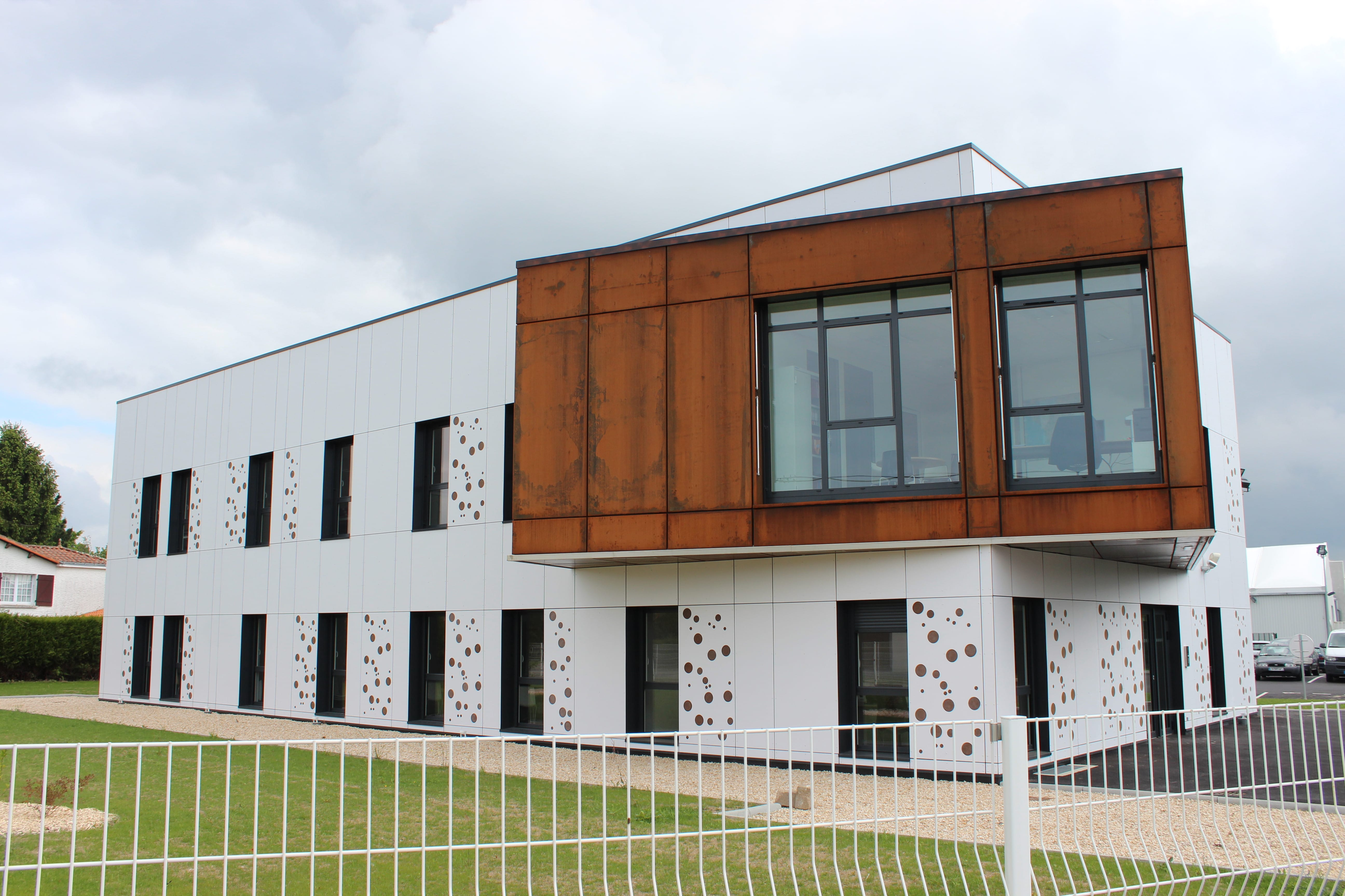 Agence de location modulaire grand ouest cougnaud services for Agence de location
